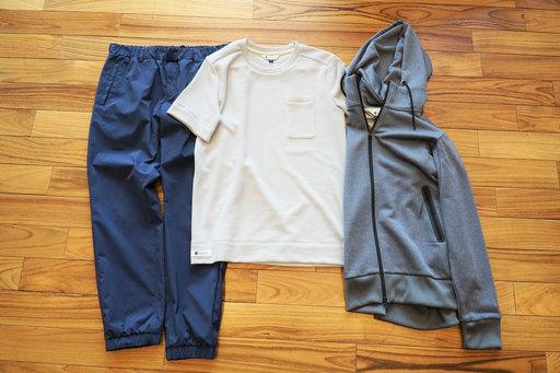 (左から)スタナーストレッチジョグパンツ ¥10,584、クィックドライワッフル半袖Tシャツ ¥4,860、ハイドロ銀チタンパーカー ¥11,880/以上すべてミズノ ※すべて税込み価格