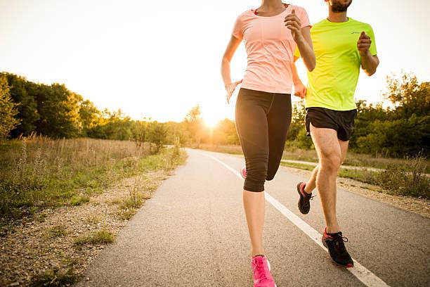 爽やかな秋にしっかり歩こう!健康づくりに使える『歩数アップ特集』